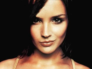 Rachael Leigh Cook age, feet, husband, hot, and daniel gillies, movies and tv shows, 2016, now, hallmark movies, bikini, films