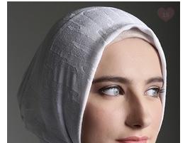 Tips Membeli Daleman Jilbab Sesuai dengan Bentuk Wajah Secara Online