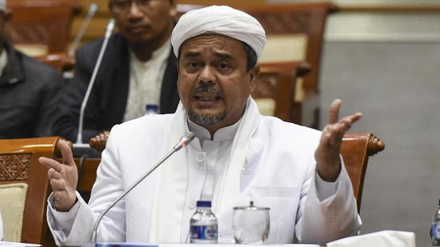 Izin Tinggal Habis, Kemlu Serahkan Nasib Rizieq ke Arab Saudi