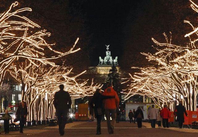 El bulevar Unter den Linden en navidad, Berlín
