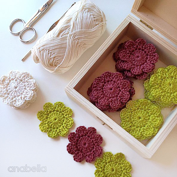 Crochet flower for a new project by Anabelia