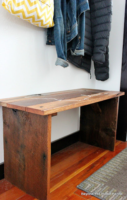 make a bench for the entryway from reclaimed wood