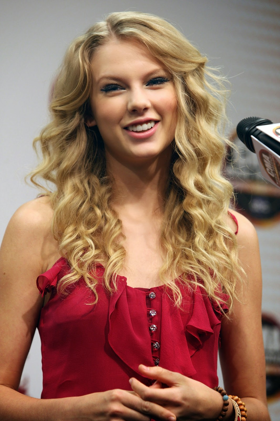 UNSEEN HOT SPICY: Taylor Swift Lovely Images