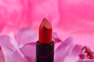 Mac - Viva Glam - Rihanna - Lipstick - Red - review - swatch - Riri