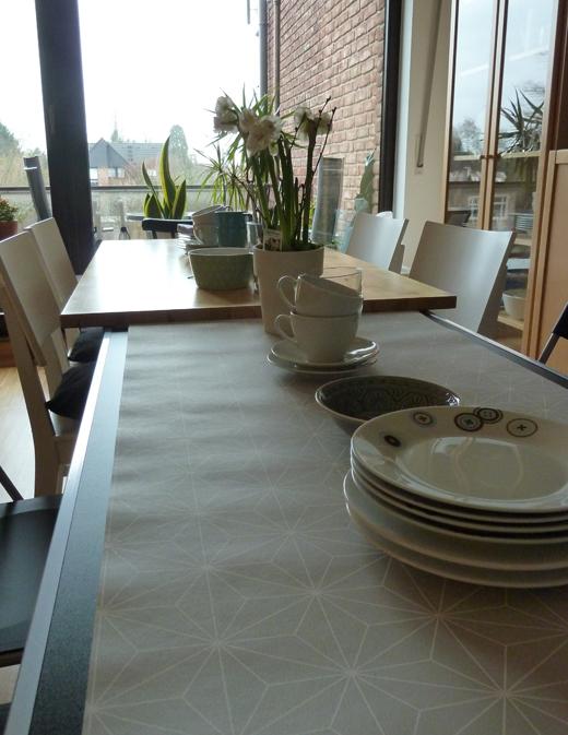 binedoro home deko heute tapete aufm tisch. Black Bedroom Furniture Sets. Home Design Ideas