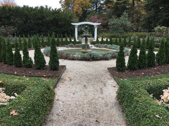 indianapolis ima formal gardens in fall