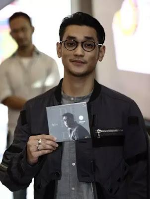 Penyanyi Afgan Syahreza Meluncurkan Album Dekade