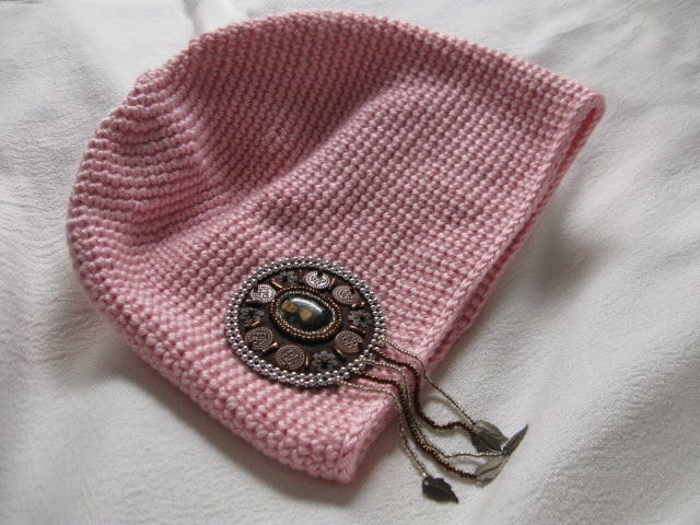 https://www.etsy.com/listing/220180762/artsy-crochet-tube-hat-soft-pink-mona?ref=shop_home_active_1