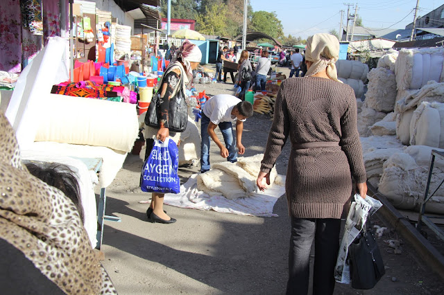 Kirghizistan, Jalalabad, Bazar, © L. Gigout, 2012
