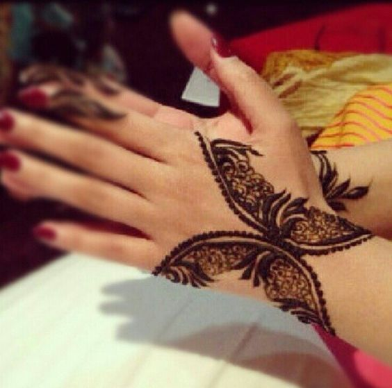 Mehndi Tattoo Butterfly : Latest and modern henna mehndi designs for all