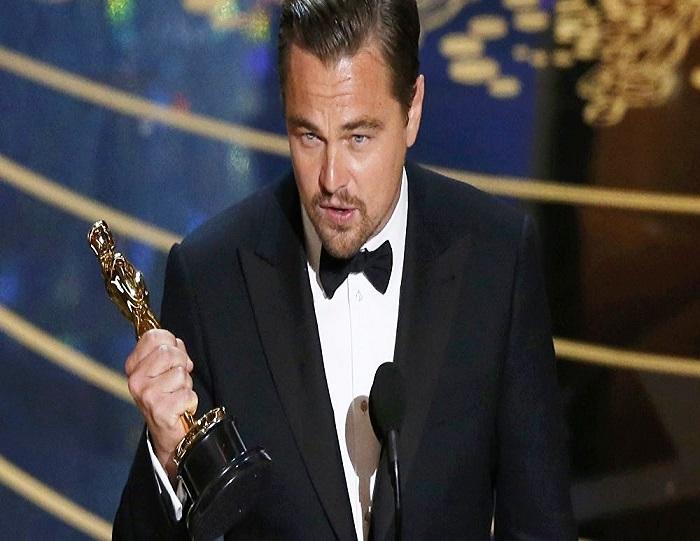"""دي كابريو بجائزة  """"أوسكار"""" ل عن دوره في فيلم """"ذا ريفينانت"""" (""""الناجي"""")"""