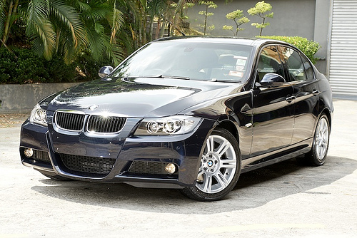 BMW E90 320i Black | Fast Speedy Cars