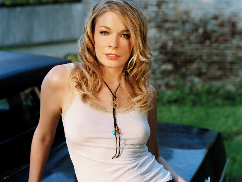 hollywood leann rimes singer profile images and wallpapers. Black Bedroom Furniture Sets. Home Design Ideas