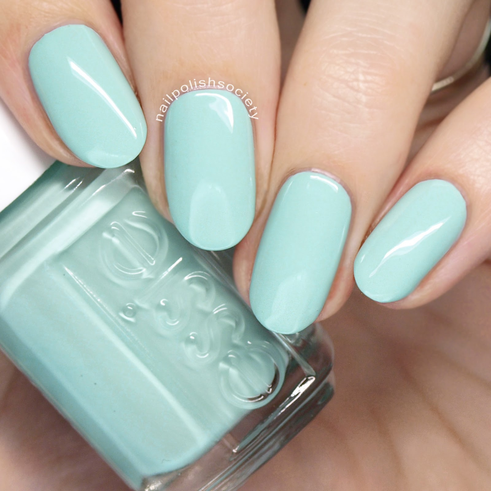 Nail Polish Society: Essie Summer 2018 Collection