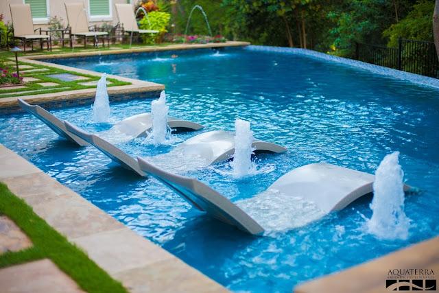 แบบสระว่ายน้ำ