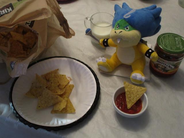 Ludwig Von Koopa Plushwig plushie Kirkland corn chips salsa milk Splatfest