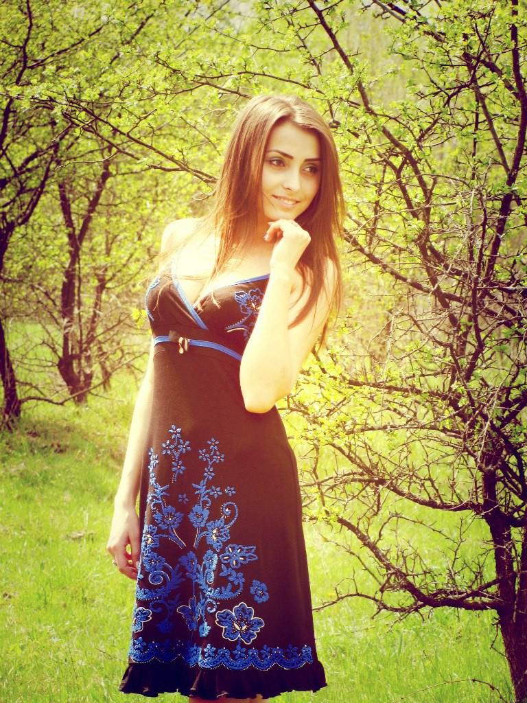 Девушки в красивых платьях (31 фото)