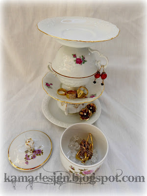 Cup and saucer tower for jewelry