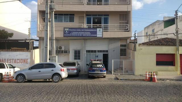 Resultado de imagem para foto da delegacia de policia de santa do capibaribe pe