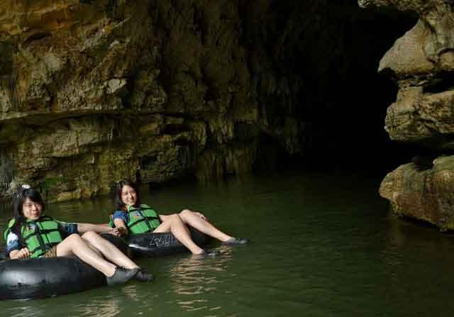 Cave Tubing di Gua Pindul Gunung Kidul Yogyakarta