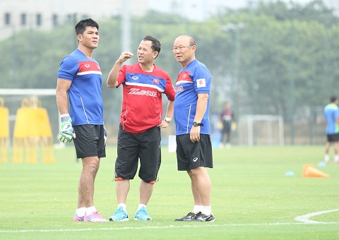 HLV Park Hang Seo còn chú ý cả đến công tác huấn luyện cho các thủ môn