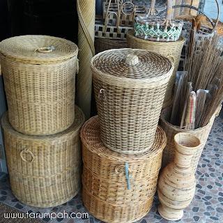 Menjual produk kerajinan ke luar negeri