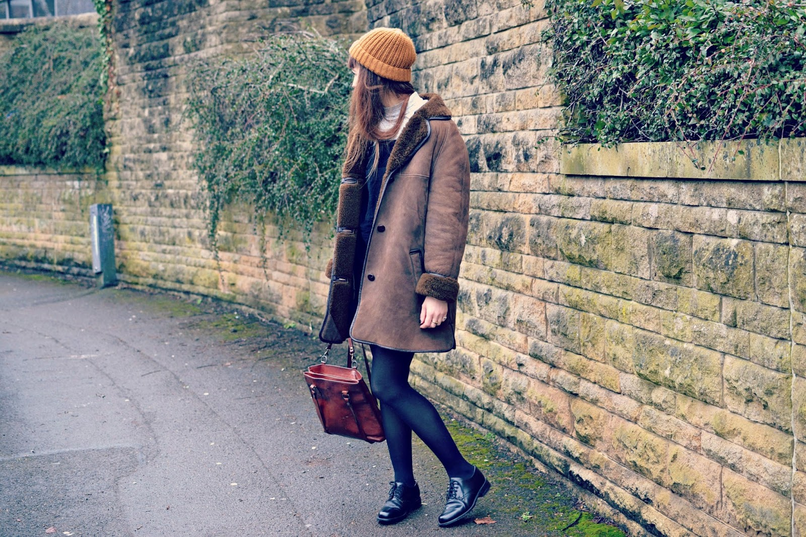vintage sheepskin coat, vintage outfit, fashion blogger,