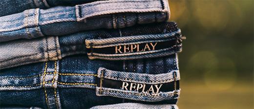 b3962791d8a75 ... e preços mais caros que os demais concorrentes, criando assim o  primeiro jeans premium do mundo. O sucesso foi tanto, que em apenas dois  anos, ...