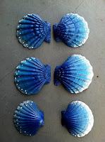 Manualidades : conchas pintadas a mano AZUL