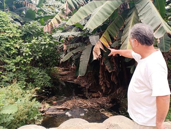 Nước rỉ từ bãi rác Khánh Sơn bủa vây cuộc sống hàng trăm hộ dân