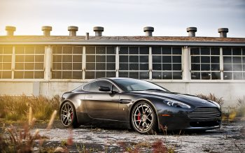 Wallpaper: Aston Martin 4K Gallery