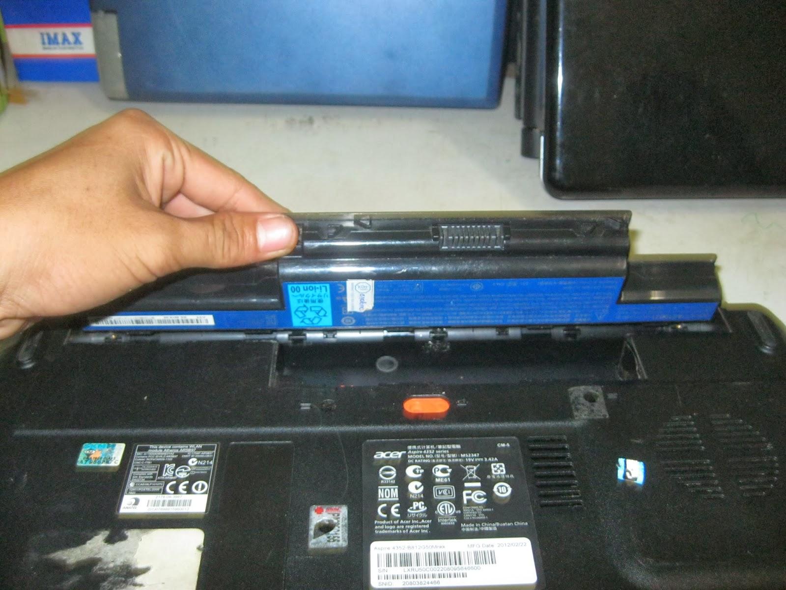 Cara Mengganti Keyboard Laptop Acer Kendari Komputer One 14 Z1401 Z1402 Melepas Baterai