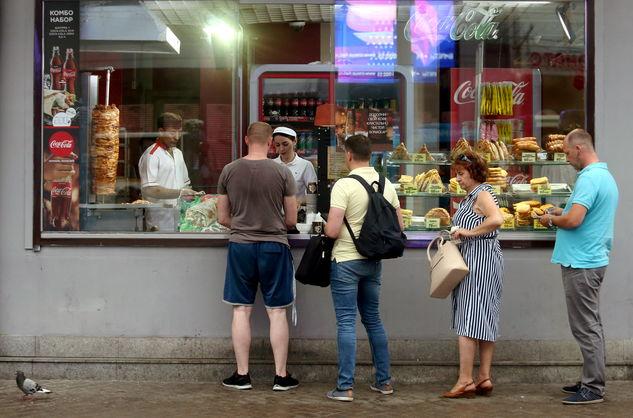Перевірка точок вуличної їжі у Києві: виявлено три цехи з антисанітарними умовами
