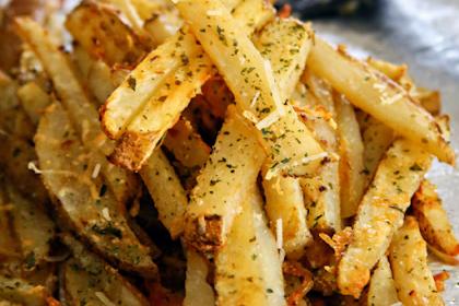 Baked Garlic Parmesan Steak Fries Recipe