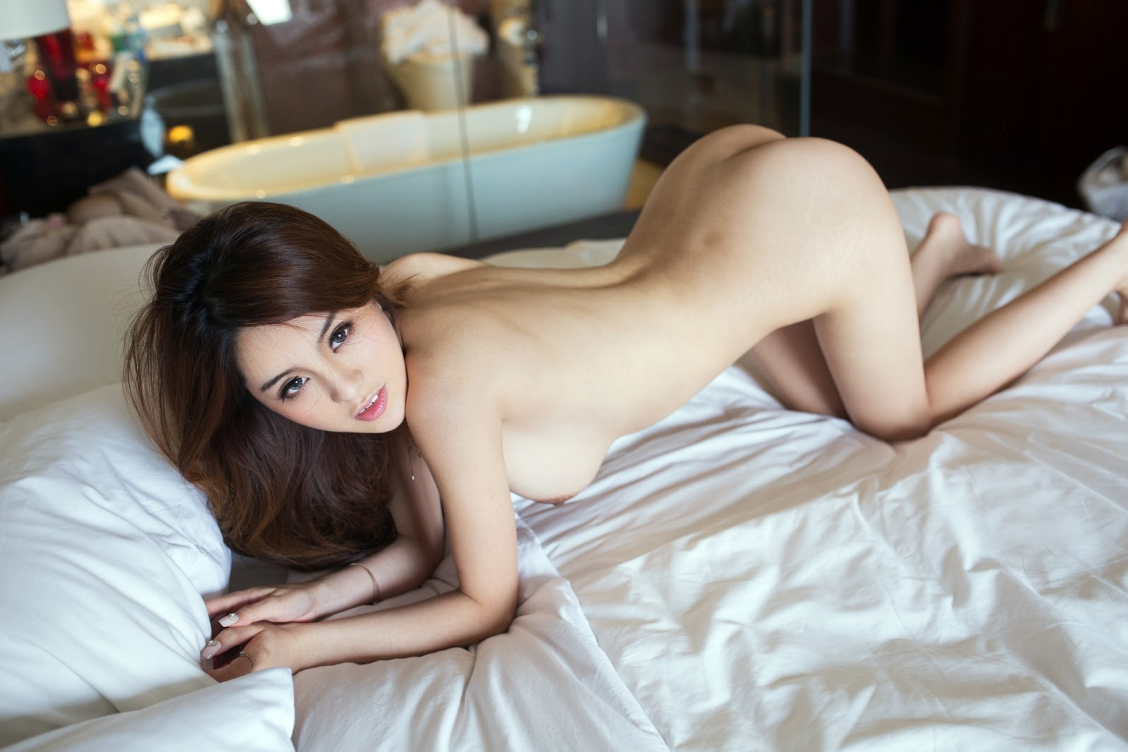 chatters-cam-model-chaina-topless-sex