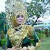 Beautiful young woman with Aceh traditional clothing