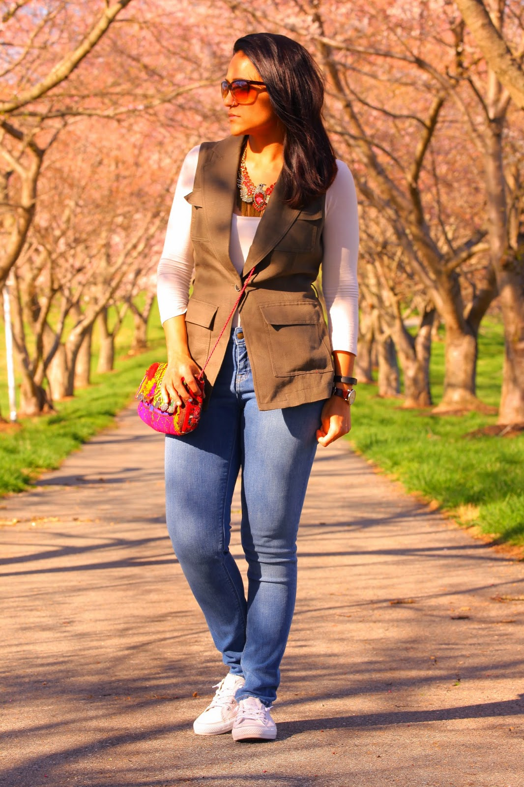 Vest - Banana Republic, Top - Zara // Similar Jeans - Zara, Shoes - Converse, Bag - Crazy & Co. Necklace - Crazy & Co. Tanvii.com