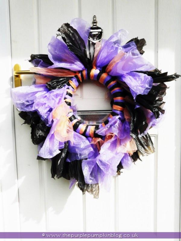 Trash Bag Halloween Wreath {Crafty October} at The Purple Pumpkin Blog