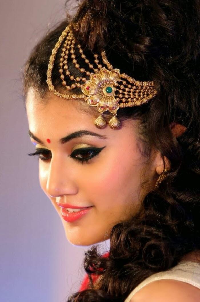 Glamorous Taapsee Pannu Face Closeup Photos Smiling