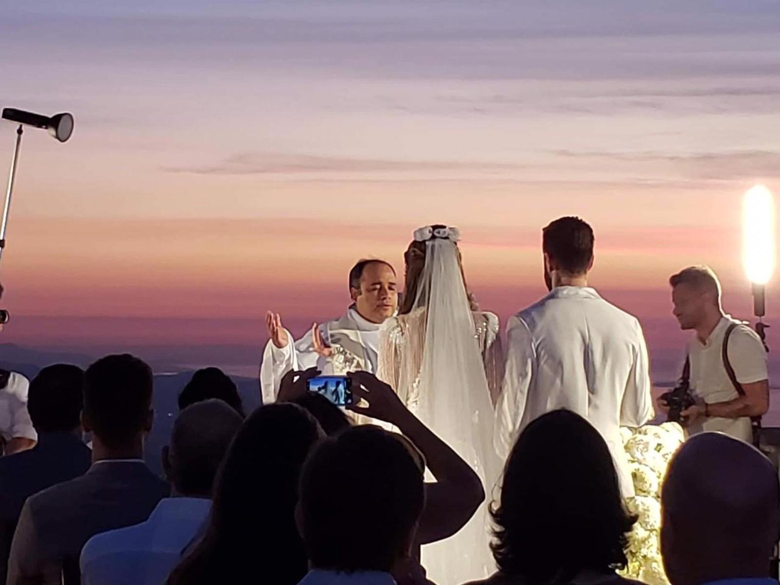 3f7548e0e6a5f Vou casar  boneca inflável estrela convite de casamento ousado e criativo
