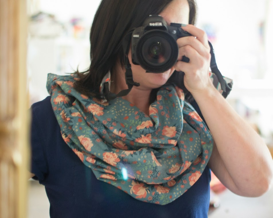 Easy DIY Infinity Scarf - with just a yard of fabric! {tutorial} —  SewCanShe Free Sewing Patterns Tutorials