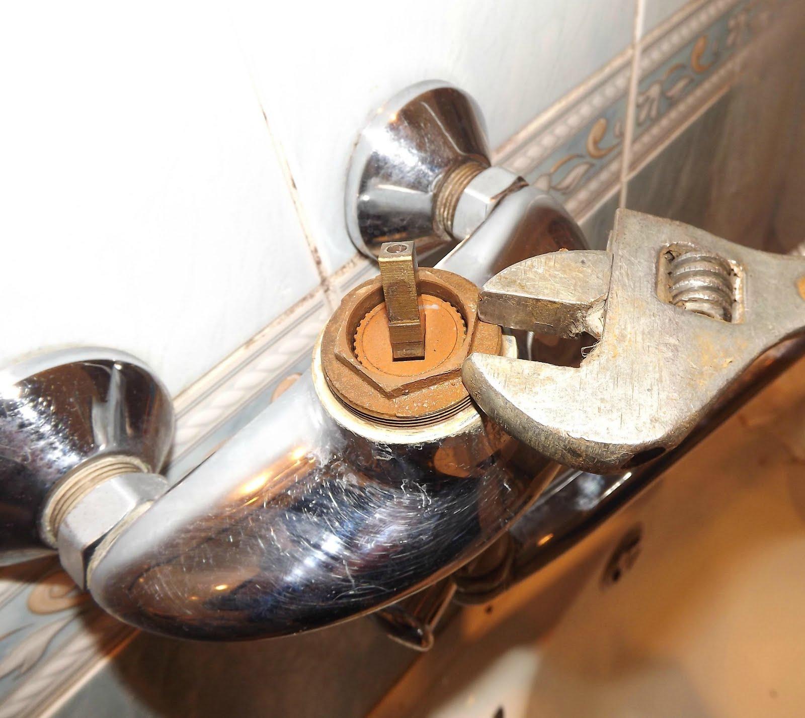bathtub faucet repairing procedure   bathroom repair: how to fix leaky faucet