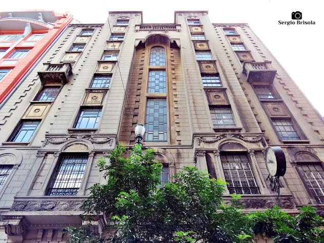 Perspectiva inferior da fachada do Palacete Santa Elza - Sé - São Paulo