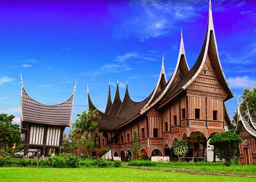 4 Rumah Adat Terunik di Indonesia ~ Ruana Sagita
