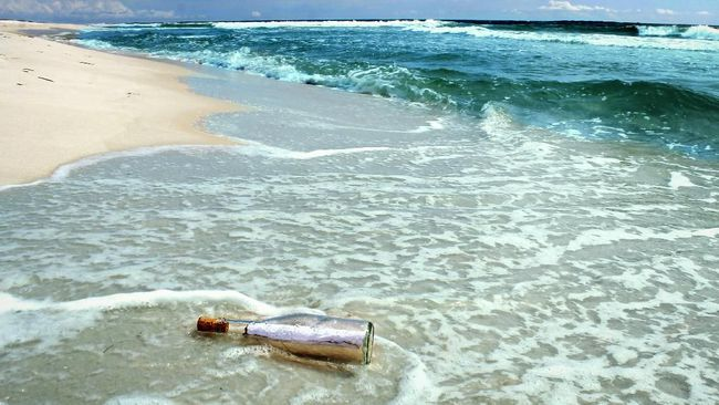 Kisah Pemberontakan yang Gagal, Gara-gara Pesan Dalam Botol