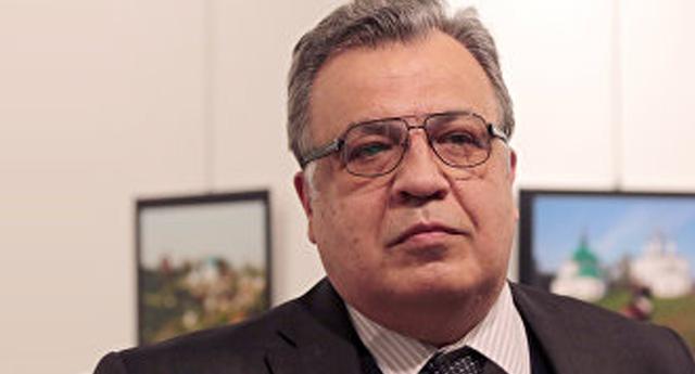Asesinan a Andréi Kárlov embajador ruso en Turquía