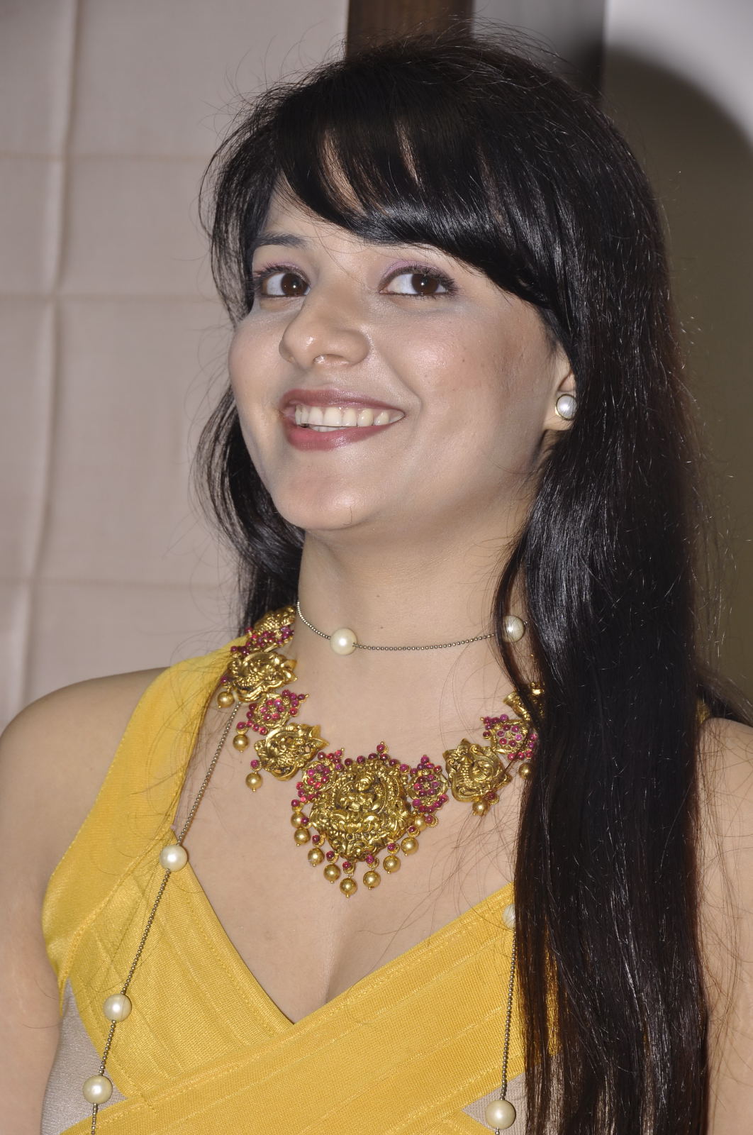 Saloni latest gallery thundering