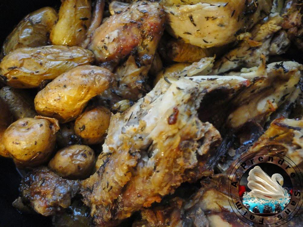 Poulet rôti au thym et pommes de terre au four