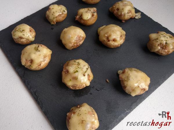 Receta de Champiñones rellenos de queso y jamón