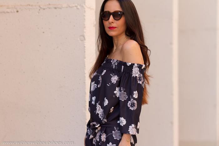 Look mujer verano blogger influencer de Valencia con hombros al aire
